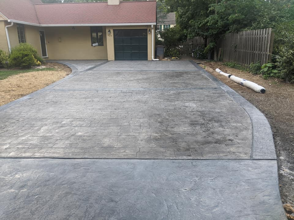Long driveway to house